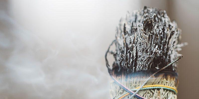 Brûler de l'encens pour la méditation: types d'encens