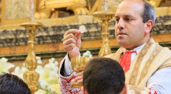 Comment les prêtres peuvent aider les catholiques à croire une fois encore à la présence réelle | Les blogs