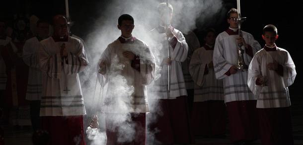 Holy Smoke - L'utilisation de l'encens dans l'église catholique