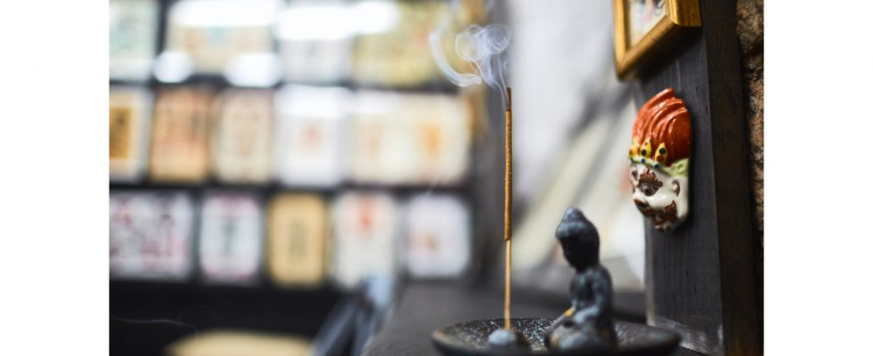 incense holder featured image