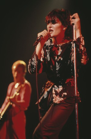 """Siouxsie Sioux, vers 1990. - REDFERNS/GETTY IMAGES"""" width=""""300"""" height=""""456"""